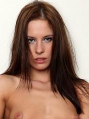Leony Aprill