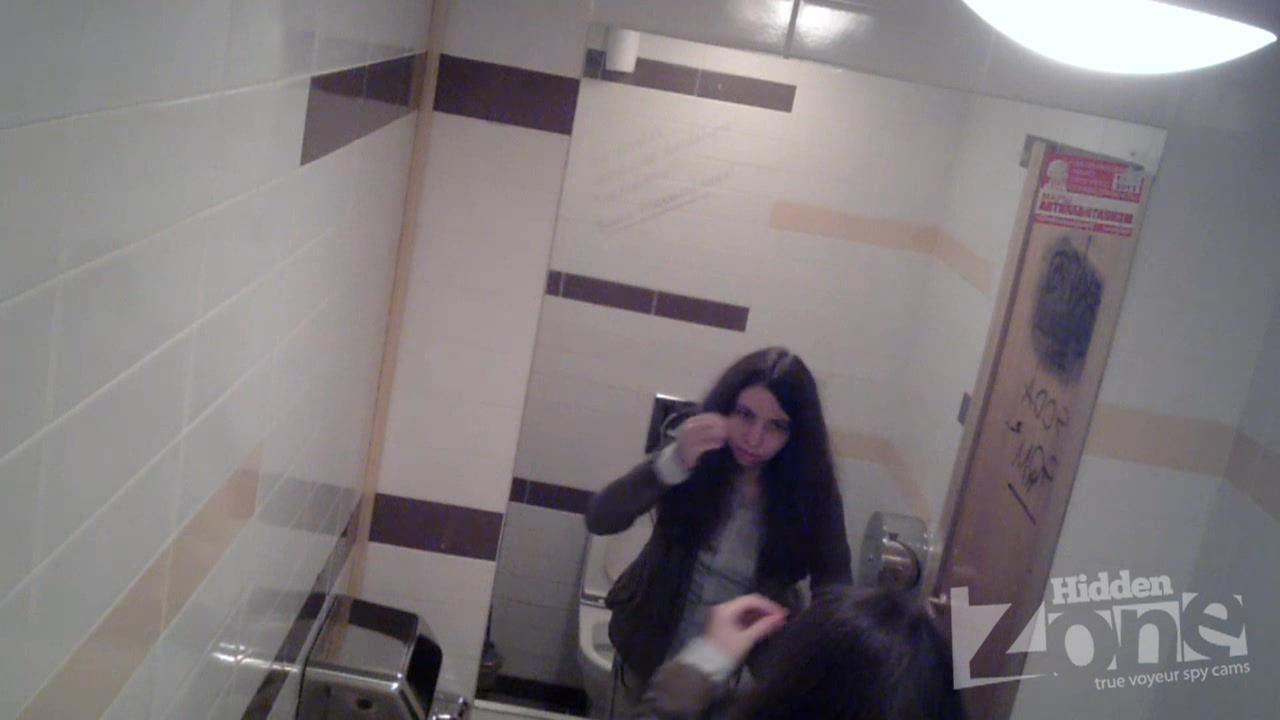 Камера в женском туалете
