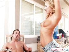 Голых телок, порно видео с соседом на даче