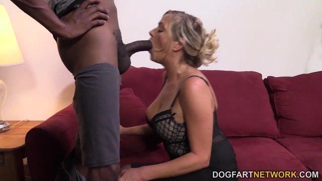 Сосут сексуальные ножки, порно кончают
